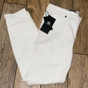 NWT Women's Rock and Republic White Jeans